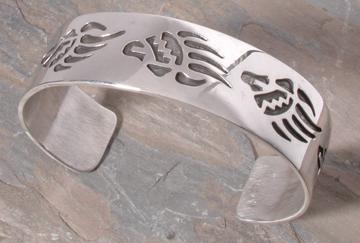 5 Bearclaw Overlay Bracelet B8